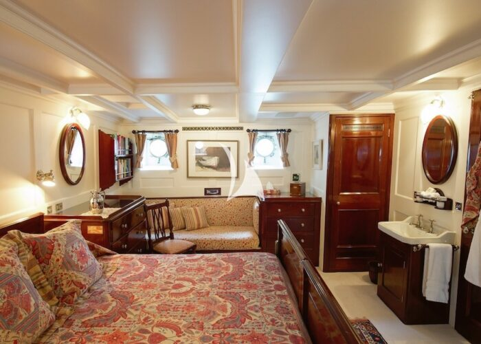 FAIR LADY MASTER CABIN