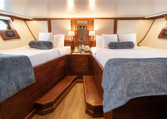 Grace-Carolina-Deck-Twin-Queen-Deluxe-Stateroom