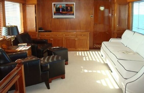 Classic Motor Yacht America Saloon