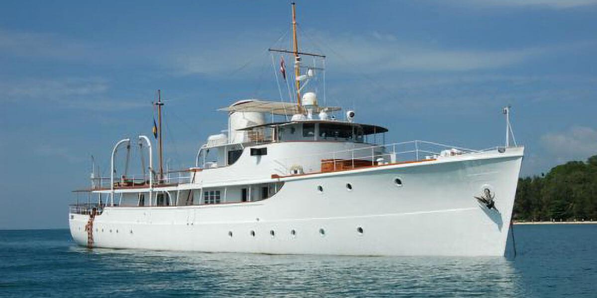 Classic Motor Yacht Charter