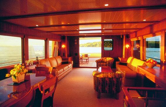 Classic Motor Yacht Escapade Saloon