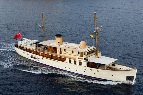 Classic Motor Yacht Fair Lady Cruising