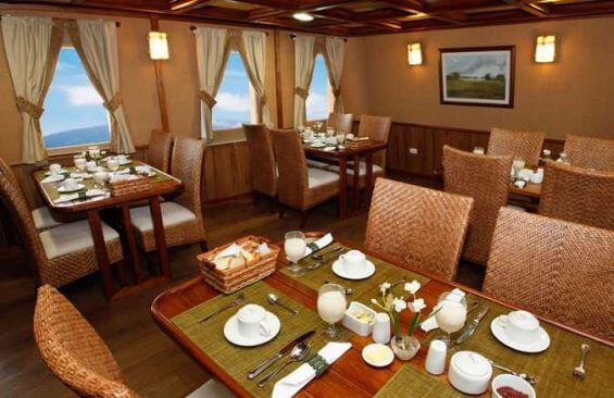 Classic Motor Yacht Grace Dining Room