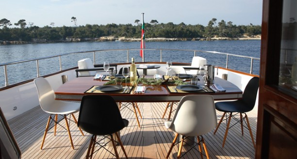 Classic Motor Yacht Happy Hour Dining On Deck