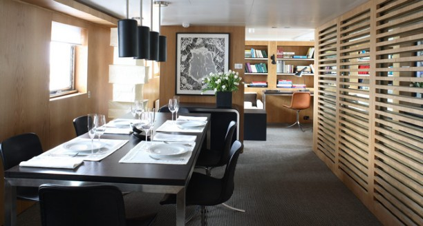 Classic Motor Yacht Happy Hour Dining Table