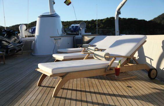 Classic Motor Yacht Heavenly Daze Sun Deck