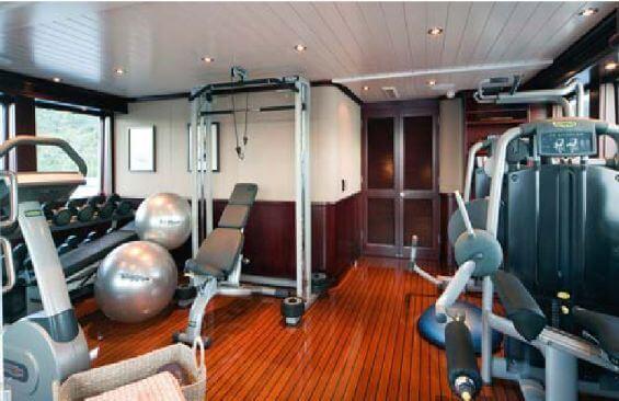 Classic Motor Yacht Koi Gym