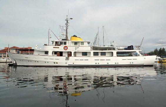 Classic Motor Yacht Lady Hoo Port Side