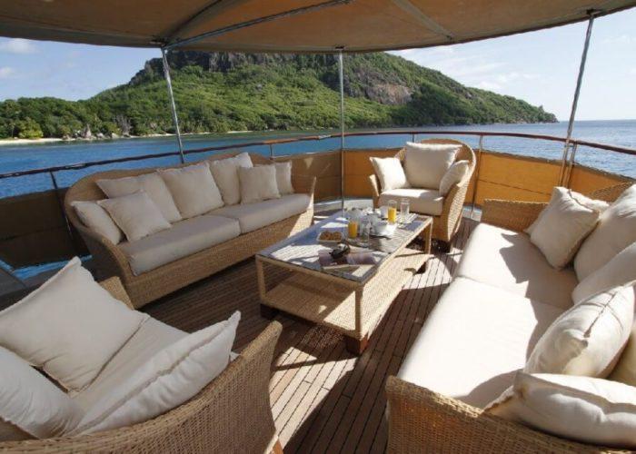Classic Motor Yacht Le Kir Royal Seating Deck