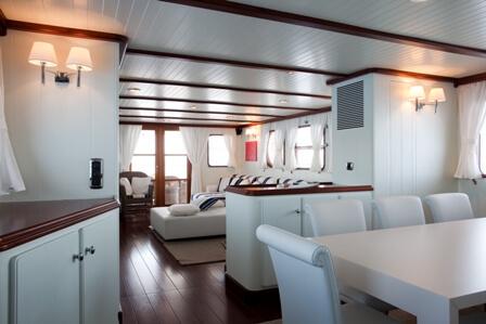 Classic Motor Yacht Marhaba Dining Table