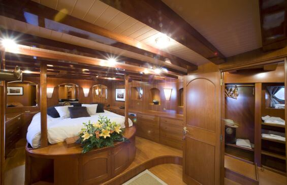 Classic Motor Yacht Over The Rainbow Double Cabin