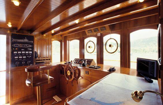 Classic Motor Yacht Over The Rainbow Wheelhouse