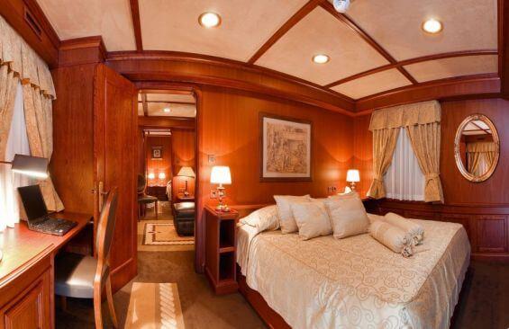 Classic Motor Yacht Seagull II Double Cabin