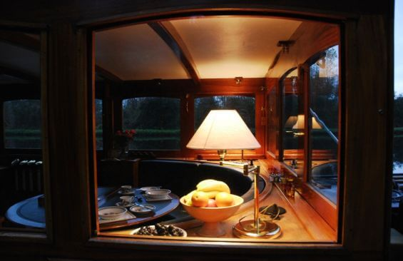 Classic Motor Yacht The Randle Dining