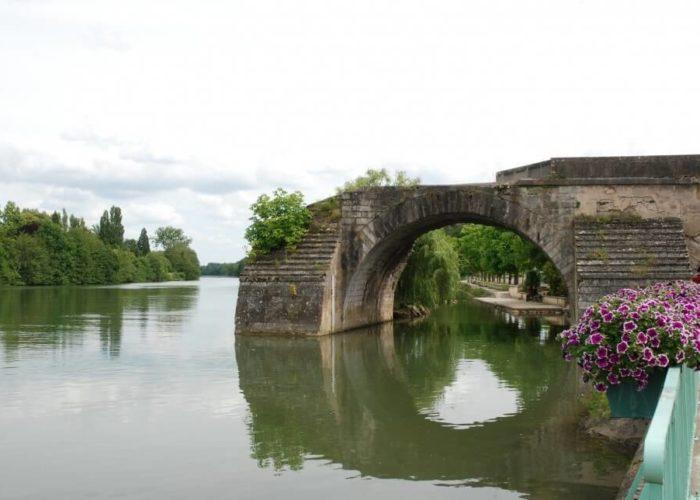 Classic Motor Yacht The Randle Pont Sur Yonne Old Bridge