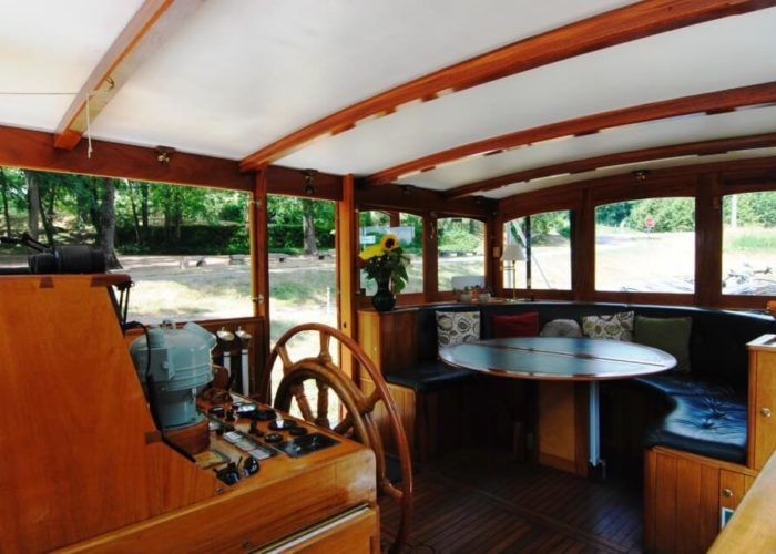Classic Motor Yacht The Randle Wheel House Saloon