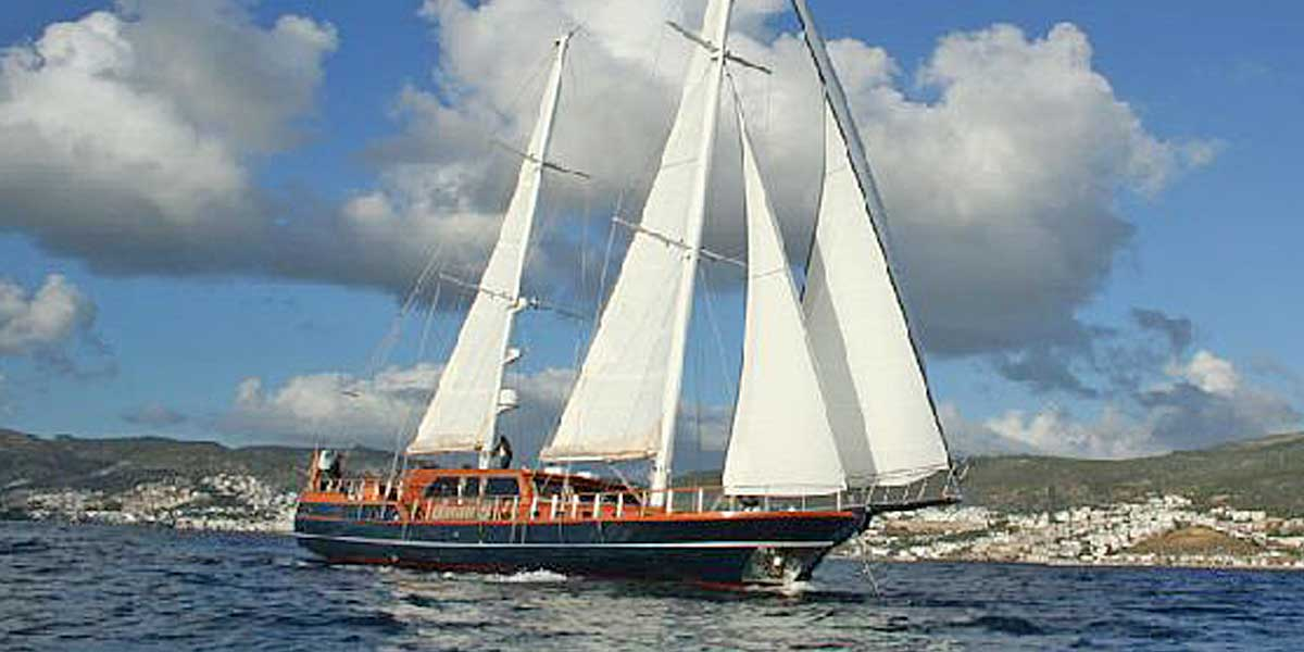 Classic Sailing Yacht Dea Delmare