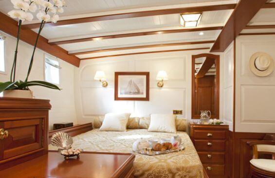 Classic Sailing Yacht Elena Double Cabin