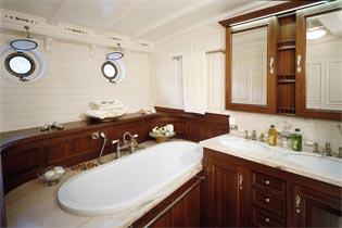 Classic Sailing Yacht Eleonora Bathroom