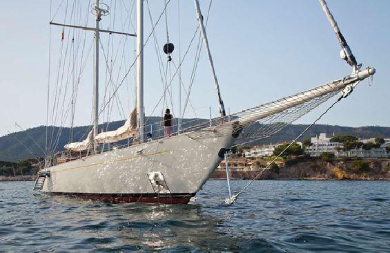 Classic Sailing Yacht Gweilo Bow