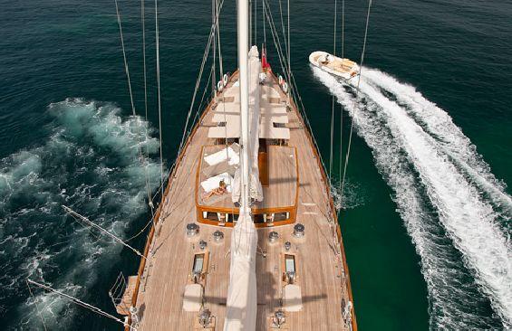 Classic Sailing Yacht Gweilo Foredeck