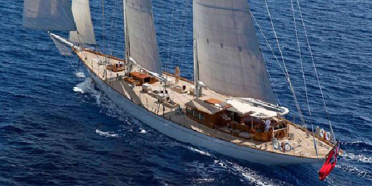 Classic Sailing Yacht Gweilo