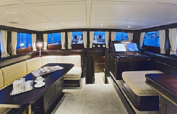 Classic Sailing Yacht Gweilo Saloon