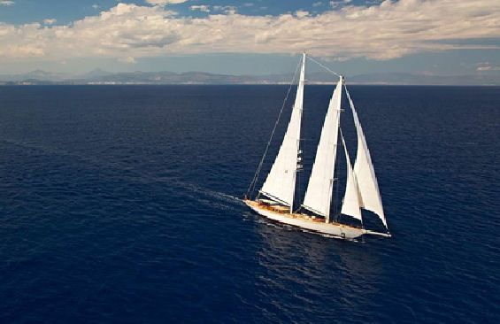 Classic Sailing Yacht Gweilo Under Sail