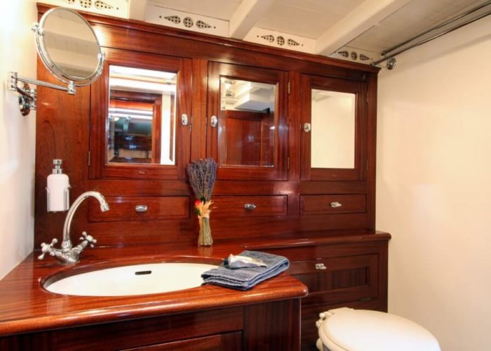 Classic Sailing Yacht Halloween Bathroom