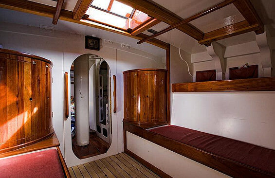Classic Sailing Yacht Kate Bunks