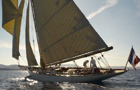 Classic Sailing Yacht Moonbeam III Broad Reach