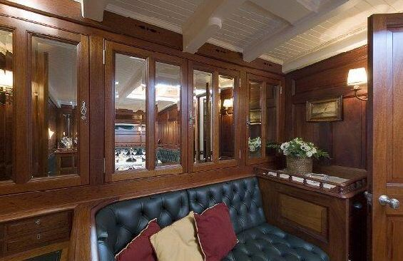 Classic Sailing Yacht Moonbeam III Saloon