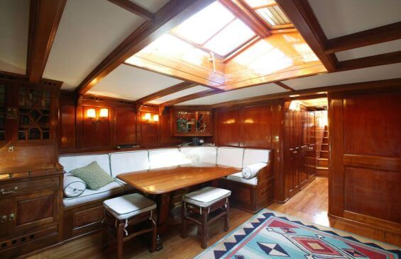 Classic Sailing Yacht Moonbeam IV Saloon