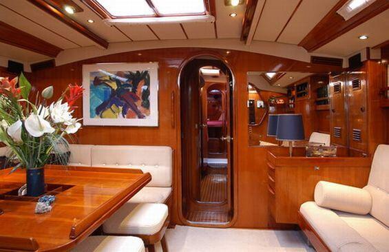 Classic Sailing Yacht Shaitan Saloon