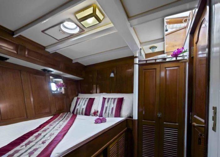 Classic Sailing Yacht Sunshine Double Cabin
