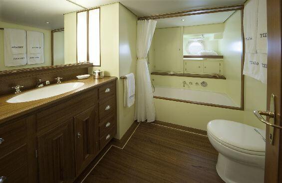 Classic Sailing Yacht Tiziana Bathroom