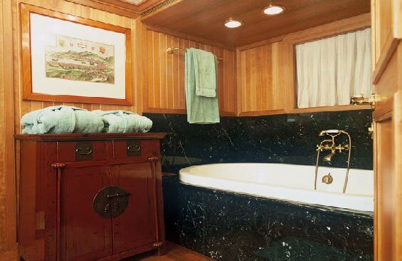 Expedition Vessel Bleu De Nimes Bathroom