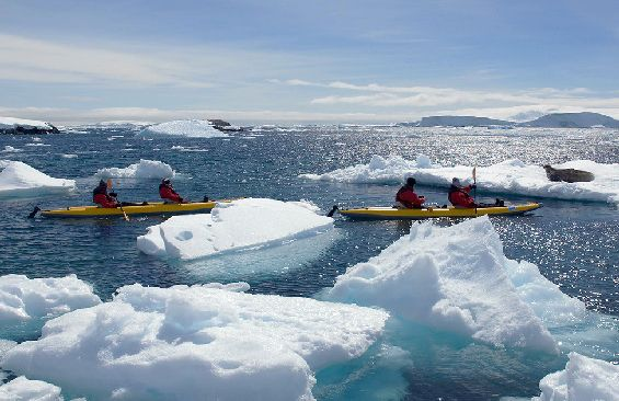 Expedition Vessel Hanse Explorer Kayaking