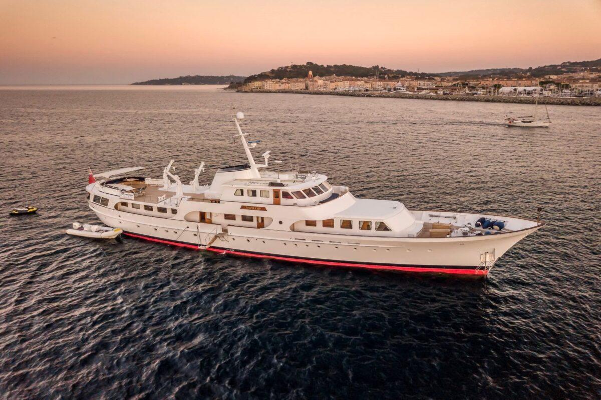 motor yacht secret life profile 2 scaled