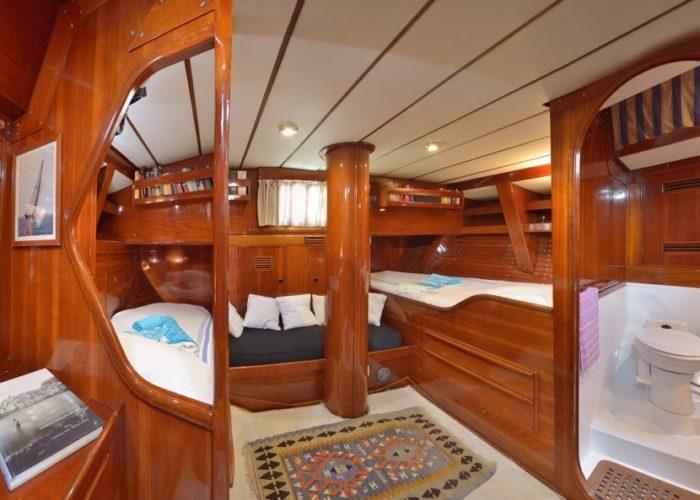 sailing yacht Tangaroa master cabin