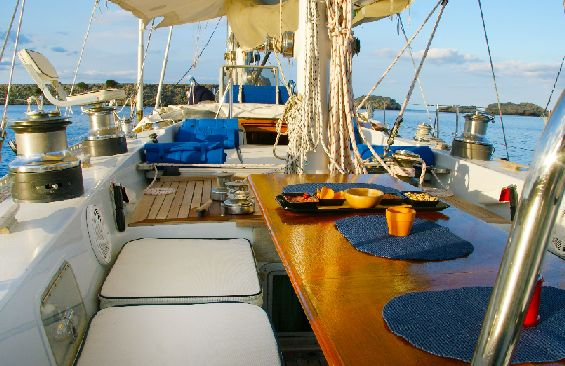 sailing yacht Tangaroa outside seating