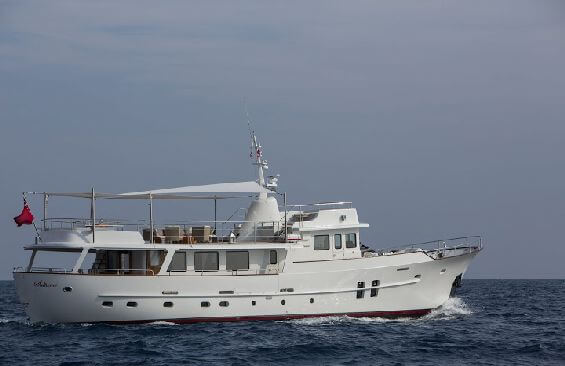 Classic Motor Yacht Sultana Under Power