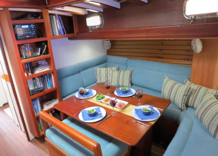 Classic Sailing Yacht Desiderata Saloon1