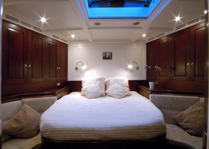 Classic Sailing Yacht Aurelius Master Cabin