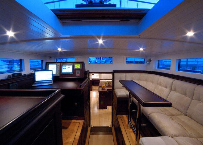 Classic Sailing Yacht Aurelius Upper Saloon