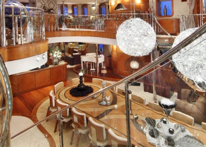 Classic Motor Yacht Sherakhan Atrium