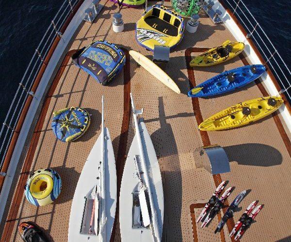 Classic Motor Yacht Sherakhan Water Toys