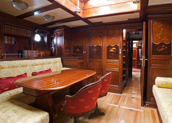 Classic Sailing Yacht Sincerity Saloon