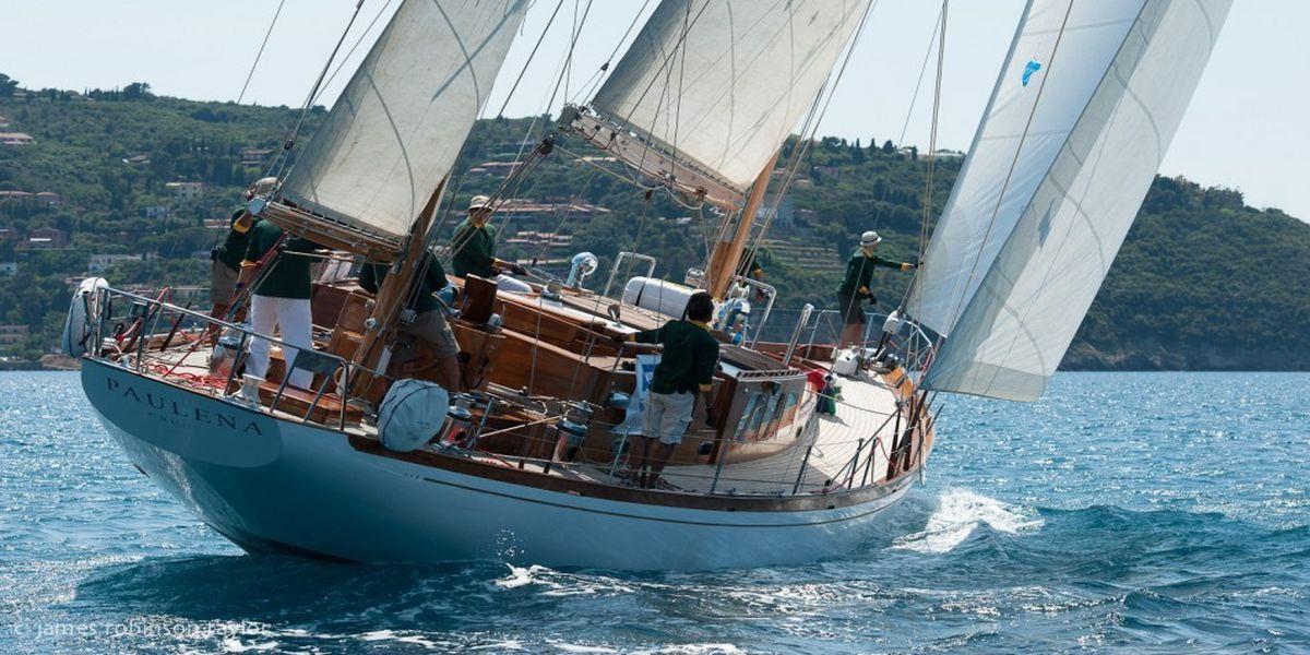 sailing yacht Paulena stern view