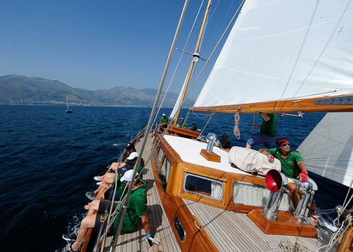 sailing yacht Paulena under sail